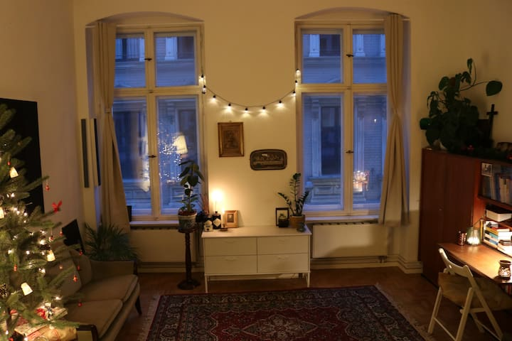 Huge bright room in central Berlin
