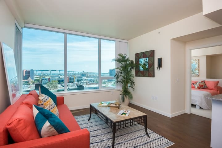 San Diego Downtown Modern Entire Apart   2BR/2BA