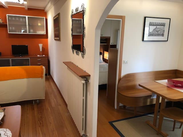 Village Holiday Bijou only 50 meters from the Lake