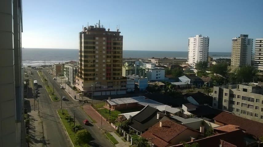 Belíssima vista da cidade e do mar. - Tramandaí - Lägenhet