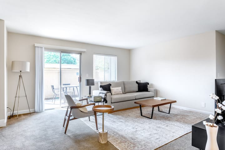 Airy Fremont 2BR w/ W/D, Parking, close to Tesla & Shops, by Blueground
