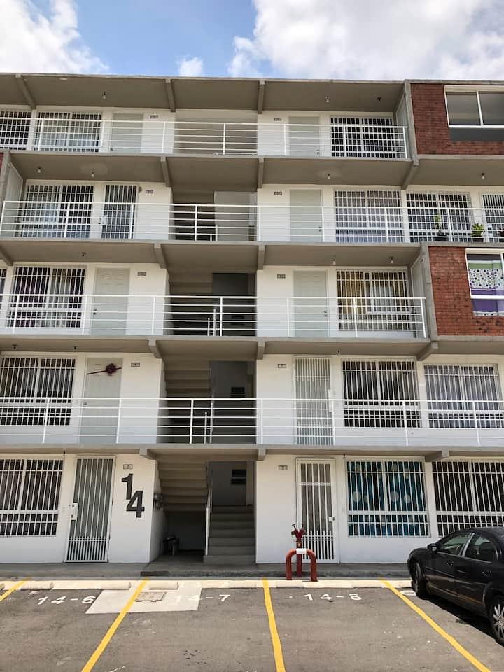 Apartamento entero cerca del CUAAD/CUCS/Zoológico