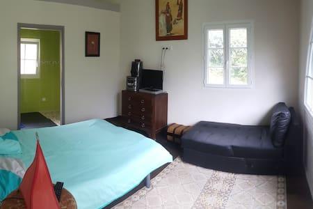 Chambre avec salle d'eau privée - Saint-Jean-de-Luz