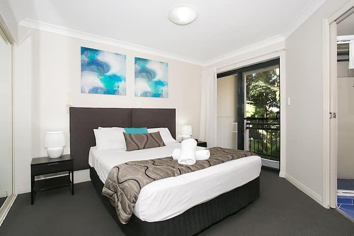 Sandcastles on Broadwater - One Bedroom Apt -3N+