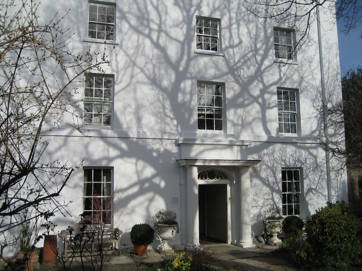 4th of 4 rooms in period house by Greenwich Park
