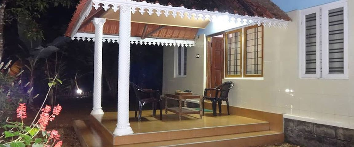 Jojo Cottage - With Two Bedroom - Idukki - Willa