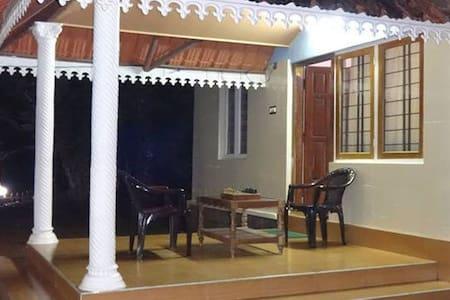 Jojo Cottage - With Two Bedroom - Idukki