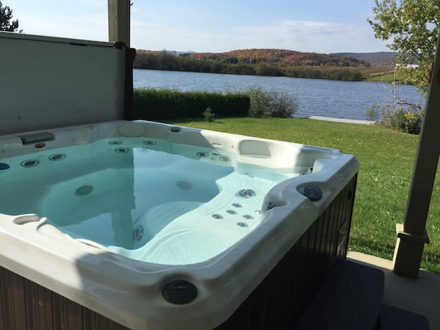 "BORD DE LAC-LAKE FRONT""SPA-JACUZZI"" - 聖泰克勒(Sainte-Thècle) - 牧人小屋"