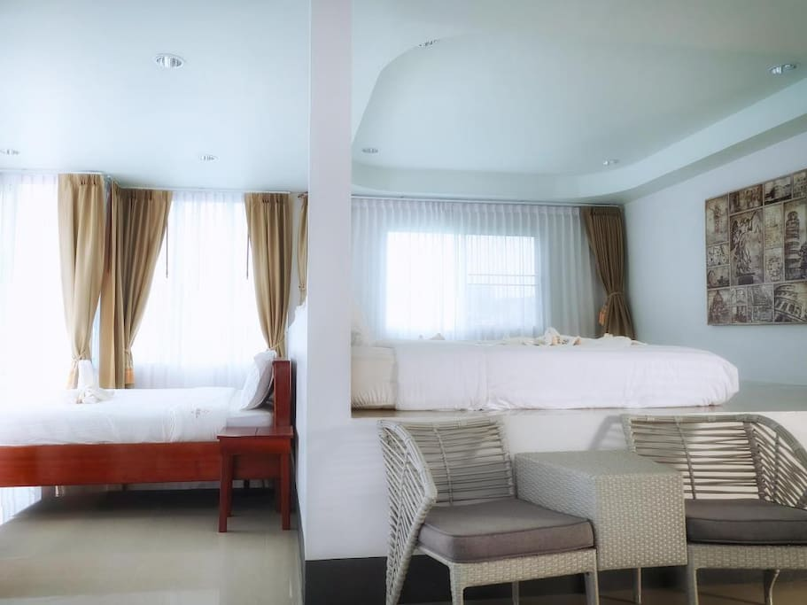 Family room   -6 persons  -3 king beds -private bathroom