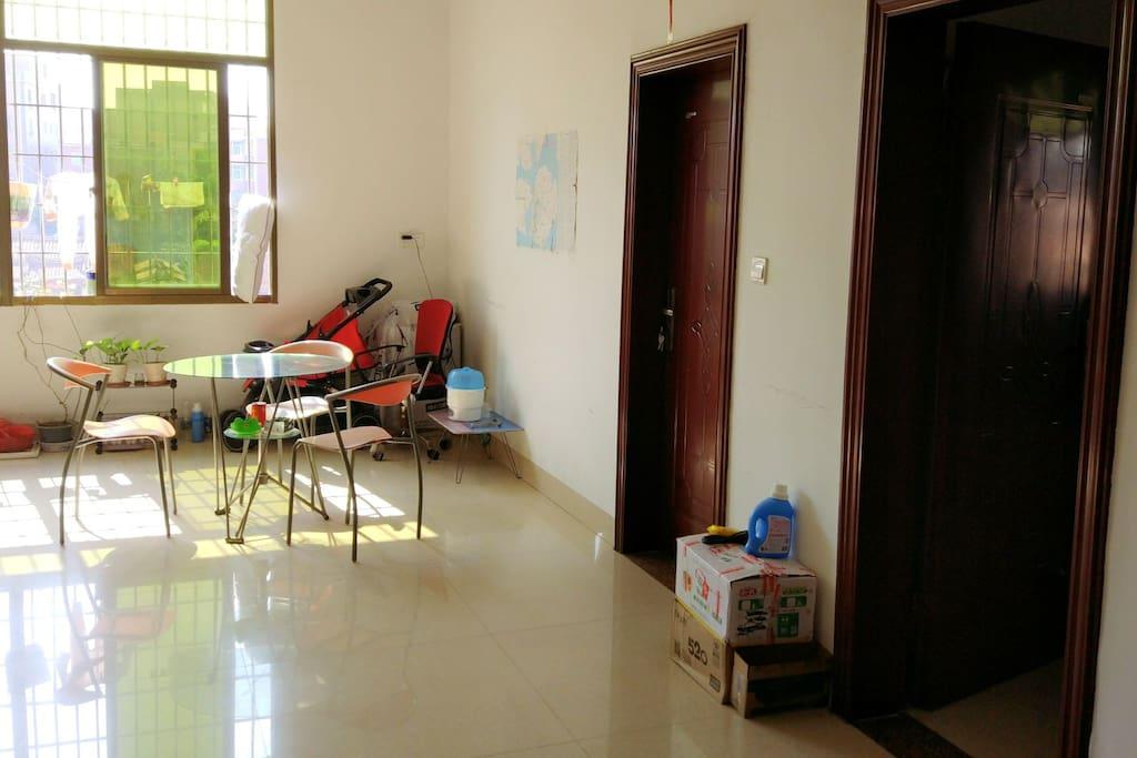干净整洁的客厅