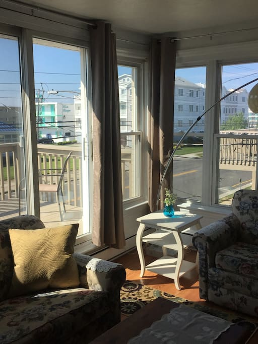 Comfy living room overlooks Atlantic Ave.
