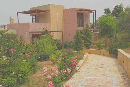 TWO STOREY INDEPENDENT HOUSE 165 SM, WITH A POOL - Xilokastro