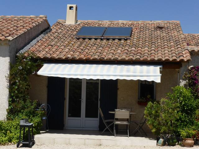 APPARTEMENT 2/4 PERS IN DE PROVENCE - Eyragues