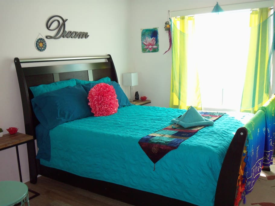 The most comfortable queen size real bed  ever!!!