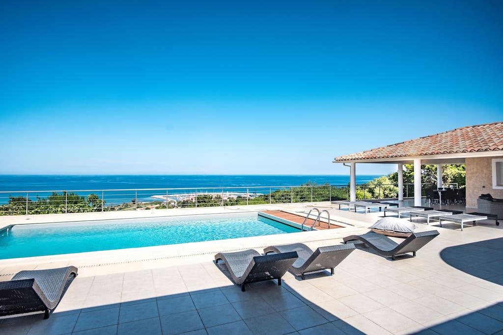 Terrasse & Piscine Vue Mer