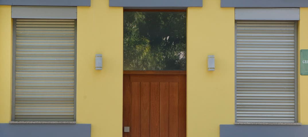 Exterior . Entry