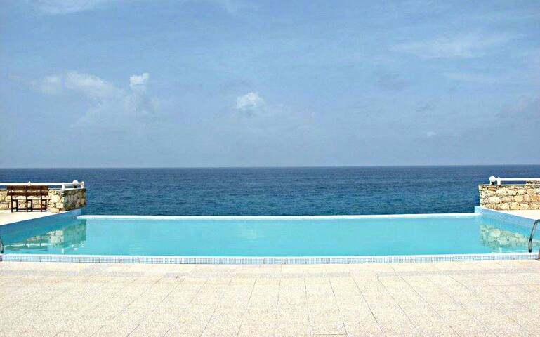 Vila on the Ocean