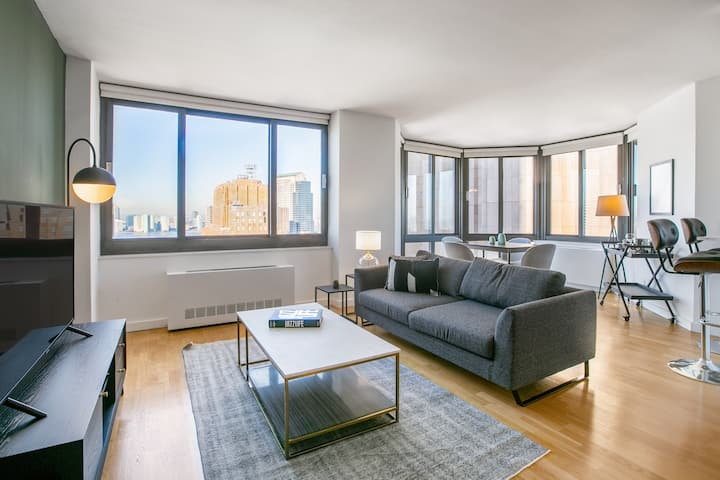 Hip Tribeca 2BR w/ Pool, Bike Room, Gym, near WTC, by Blueground