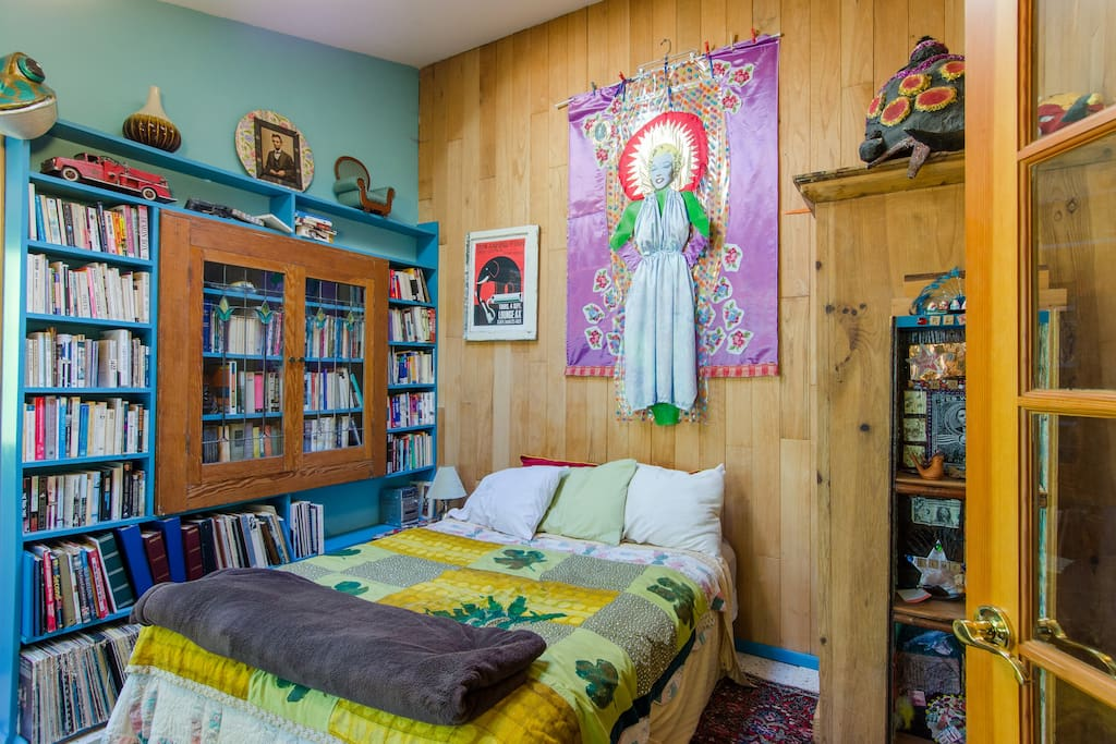 Guest room library, new queen bed and art