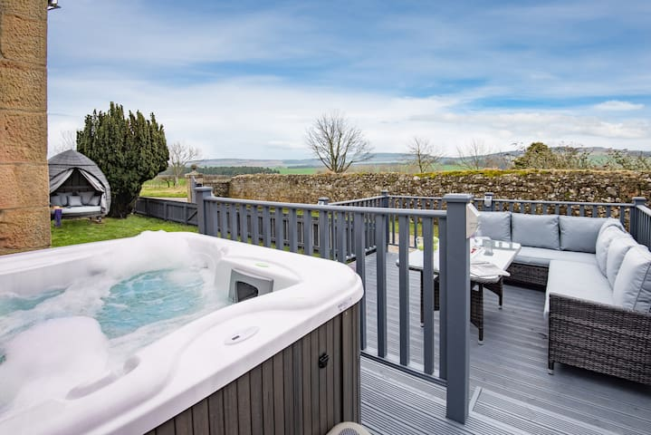 The Gate Lodge - Hot Tub Haven for 2