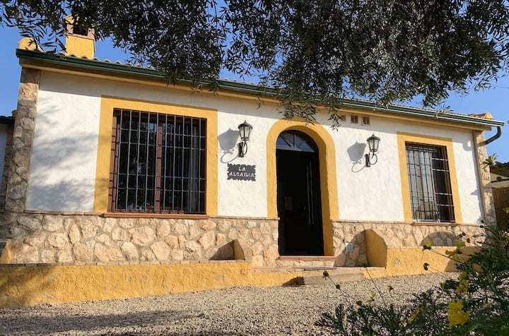 House with 3 bedrooms in Hornachuelos, with wonderful mountain view, shared pool, enclosed garden