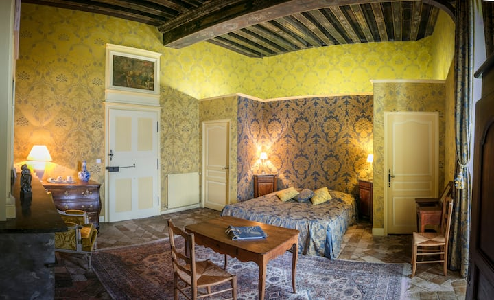 Charming Room at the Chateau