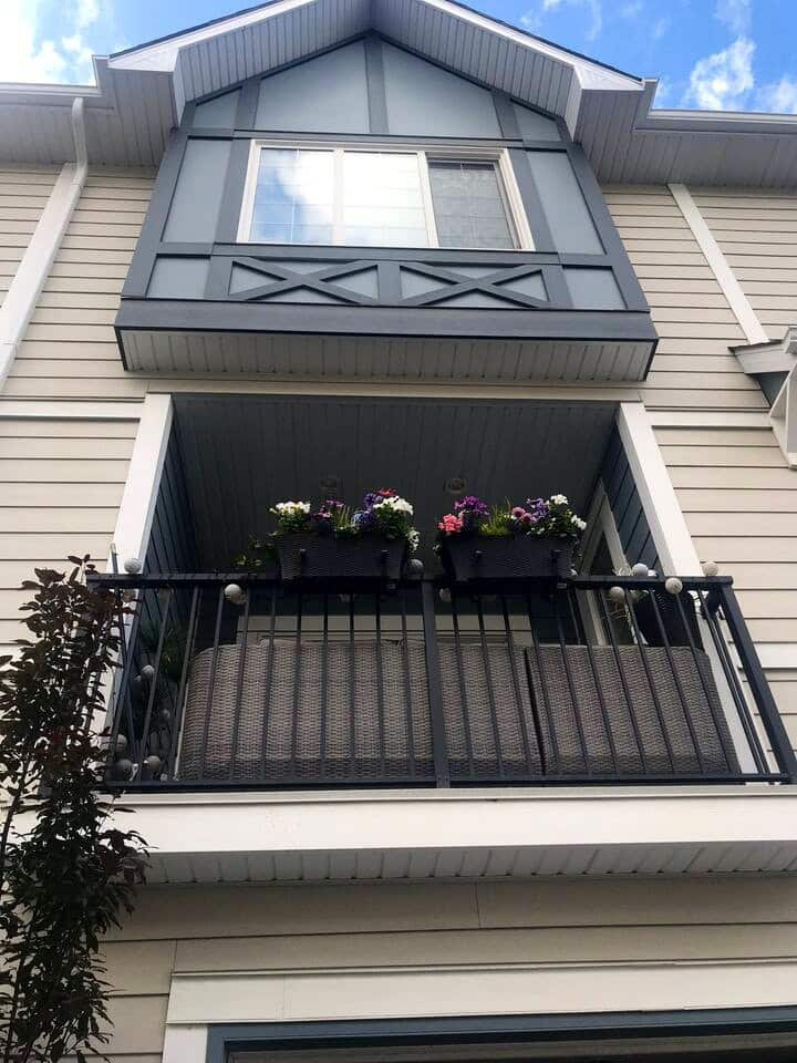 A beautiful 2 year old townhome in NW Calgary