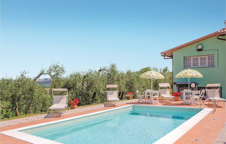 Awesome home in Castelfiorentino -FI- with 2 Bedrooms