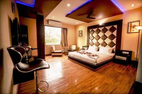 Elite AC Room @Hotel Sheetal International,Raipur