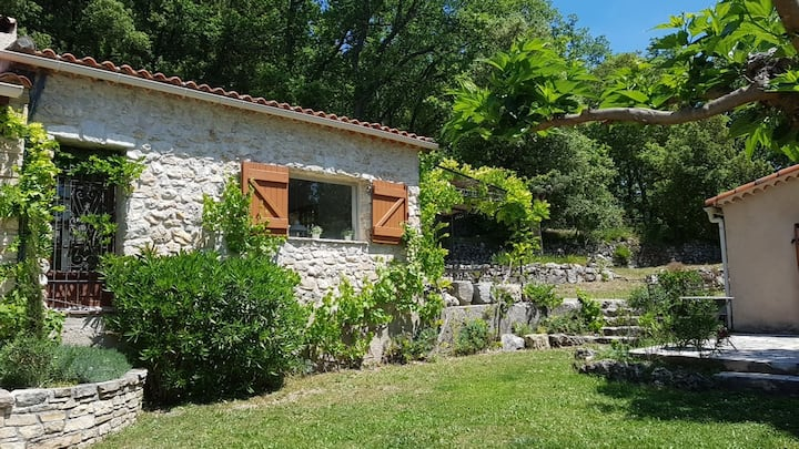 Family-friendly French villa + guesthouse and pool