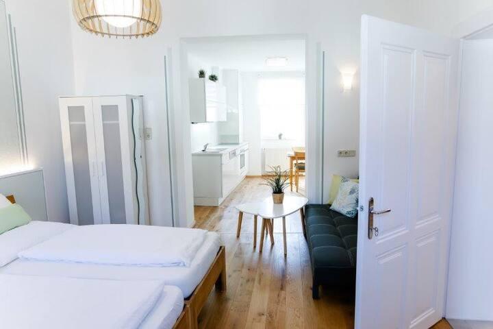 """Appartment & Gästezimmer """"Vino Verde"""" (Poysdorf), Neues Appartement mit großem Wohnbereich"""