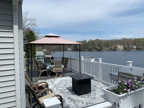 Come relax at Lakeside Landing