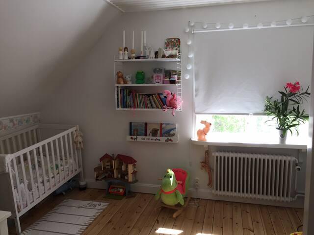 Sunny familyhouse in charming Ålsten, Bromma