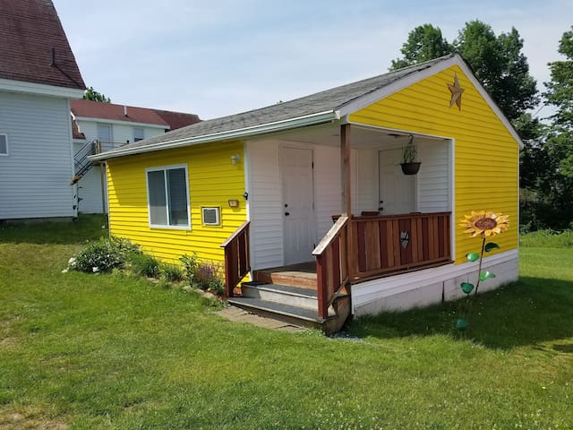 2BR Yellow Cottage @Twin Hills Cottages of Acadia