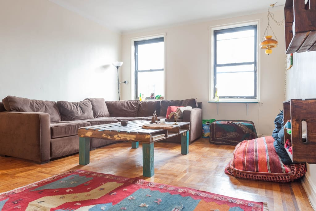 Spacious cozy one bedroom apartments for rent in brooklyn new york united states for 4 bedroom apartments in brooklyn