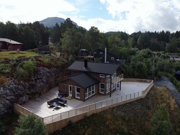 New cabin with stunning scenery