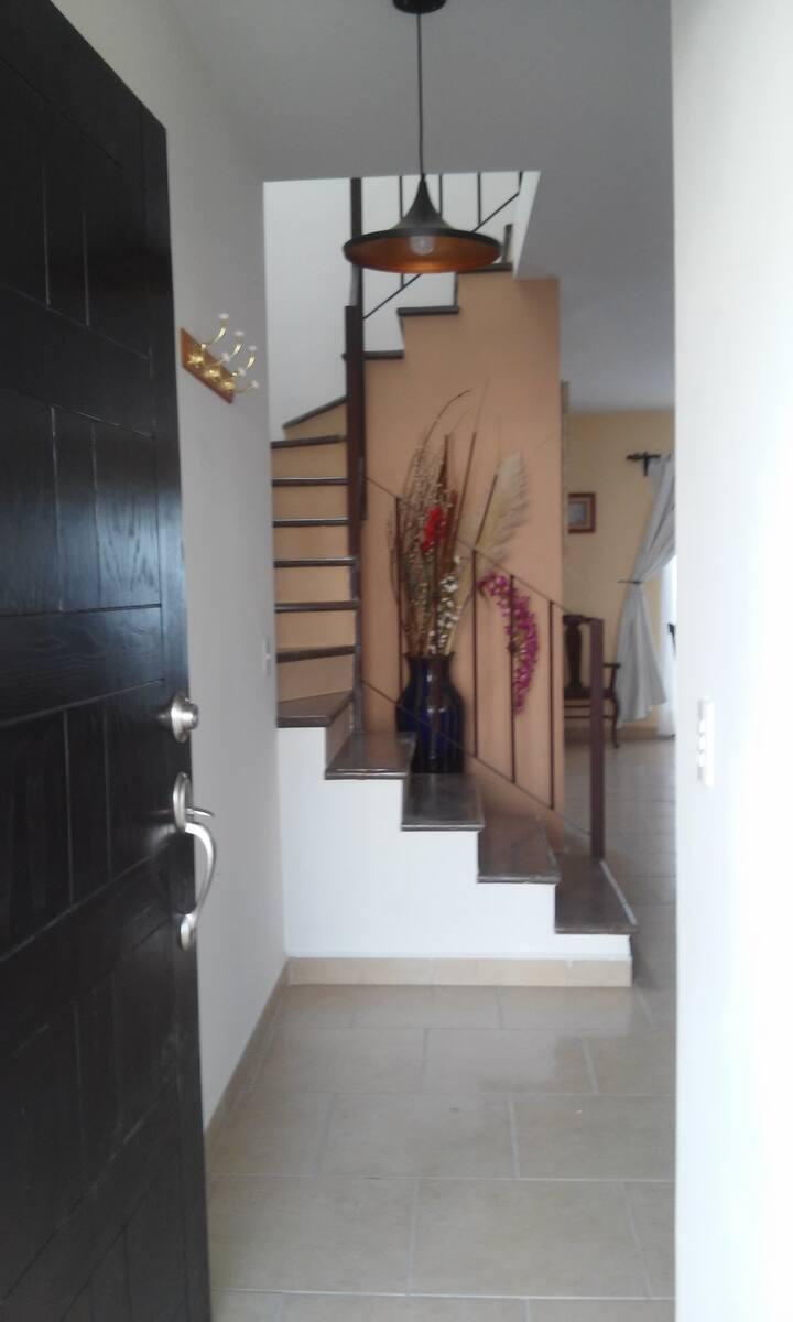 Comoda casa en conjunto residencial exclusivo