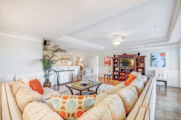 3BR Townhome in Watercolor-Beach District-OPEN Mar 18 to 22! Beach Club-FAB Beds