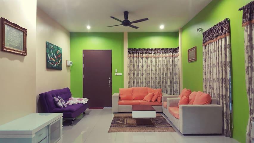 Muezza Homestay Kuching