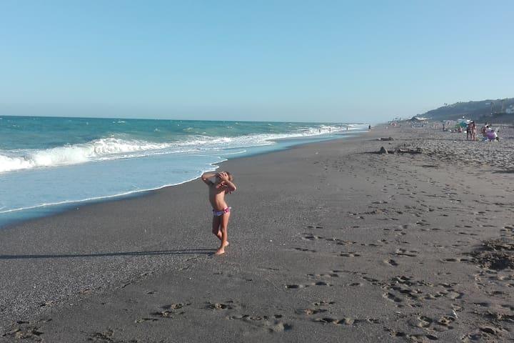 Mi apartamento en la playa - San Luis de Sabinillas - Departamento