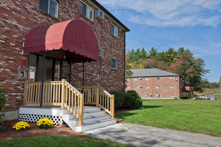 Littleton Lyne Apt- Quiet,No Smoking No Pets site