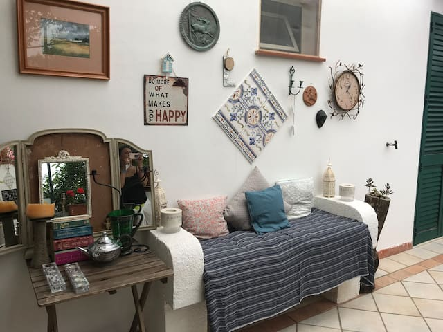 Charming bedroom  in apartment close to the beach