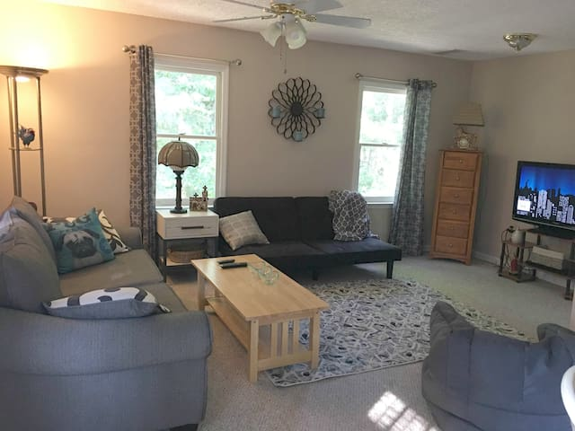 Cozy, Wooded Retreat/Easy Drive to UGA and GA Tech - Conyers