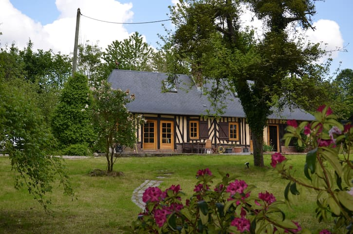 Typical Normandy House in Pays d'Auge - Saint-Pierre-de-Cormeilles - Casa