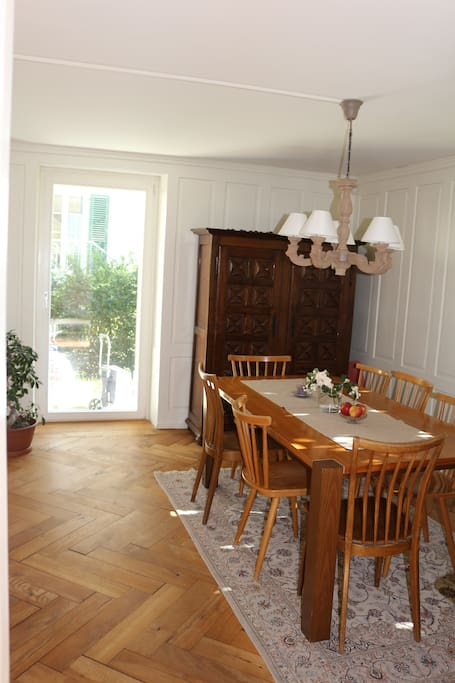 Dinning room with access to the little garden