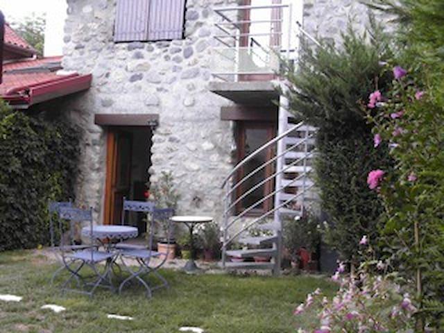 Appartement indépendant dans maison - Vaulnaveys-le-Haut - Lägenhet
