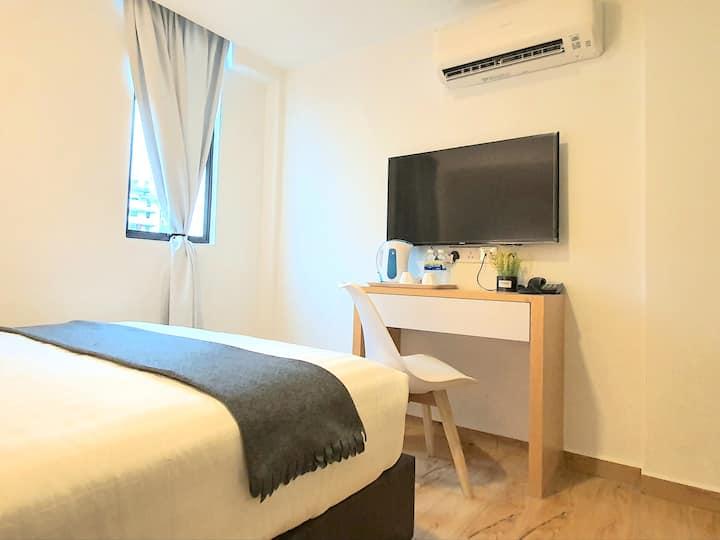 Malacca| Malacca Raya Hotel by BeeStay [2 Pax]