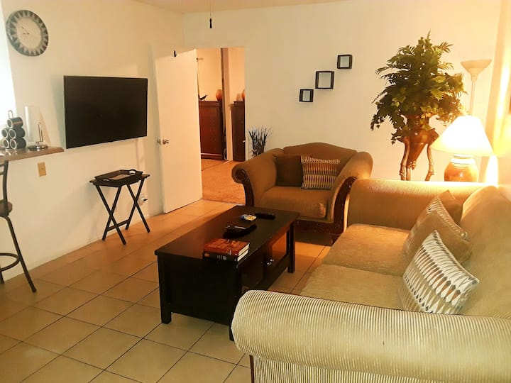 Your Private World! North Oxnard, 1 bedroom condo.