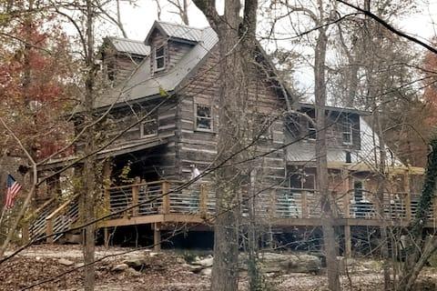 Cliffside Properties / Carter Caves Cabin Rental