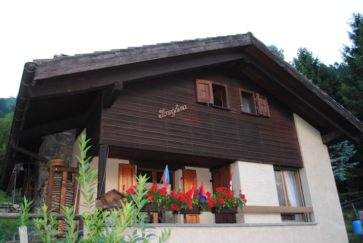 Chalet Soreghina - Blenio Valley- Valle di Blenio